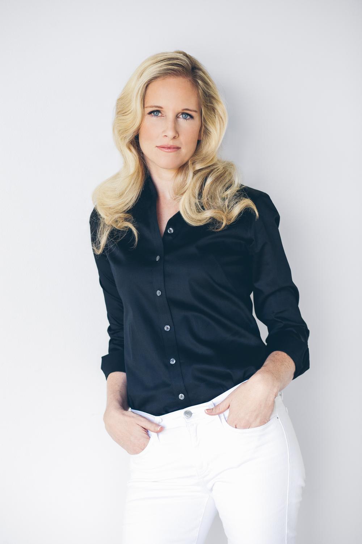 Nicole Mossman - 1 - SOCIAL.jpg