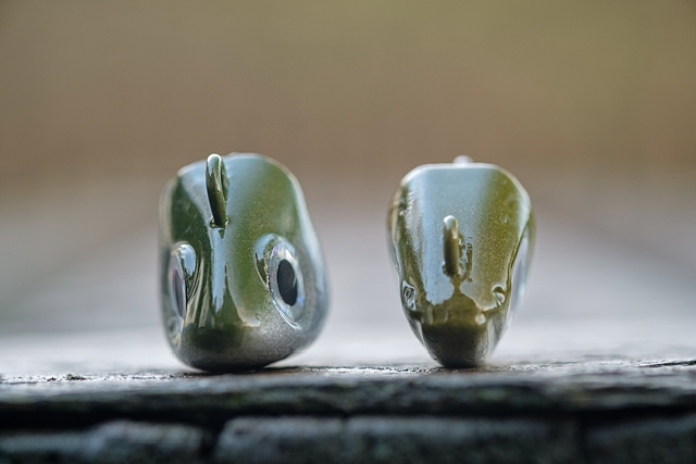 18g Search head (left), 12g Shore head (right)