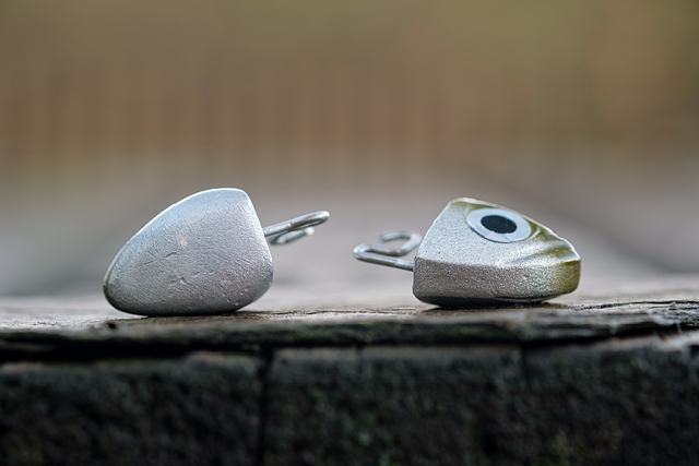 18g Search head (left), Shore 12g head (right)