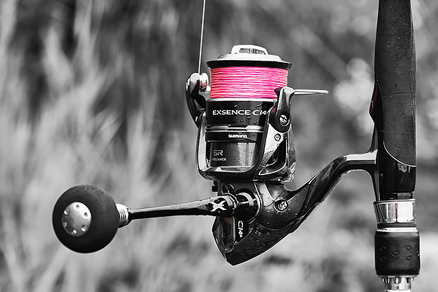 Sufix Performance Pro 8 braid (discontinued, grab it while you can) - Sufix Performance Pro 8 braid is very much like one of those very high end Japanese 8-strand braids that some of us so love to fish with, except that the price of it is more in line with the incredible value for money Daiwa J-Braid. A silky smooth and very thin 8-strand braid from a line company that I trust big time, Sufix Performance Pro 8 braid does it for me in a big way. See my preview here and my review here.You buy this line here in the UK.