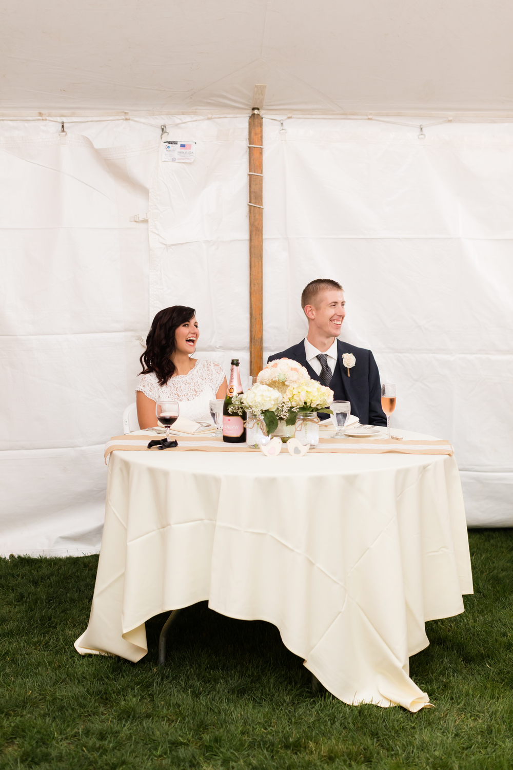 Round sweetheart table rental