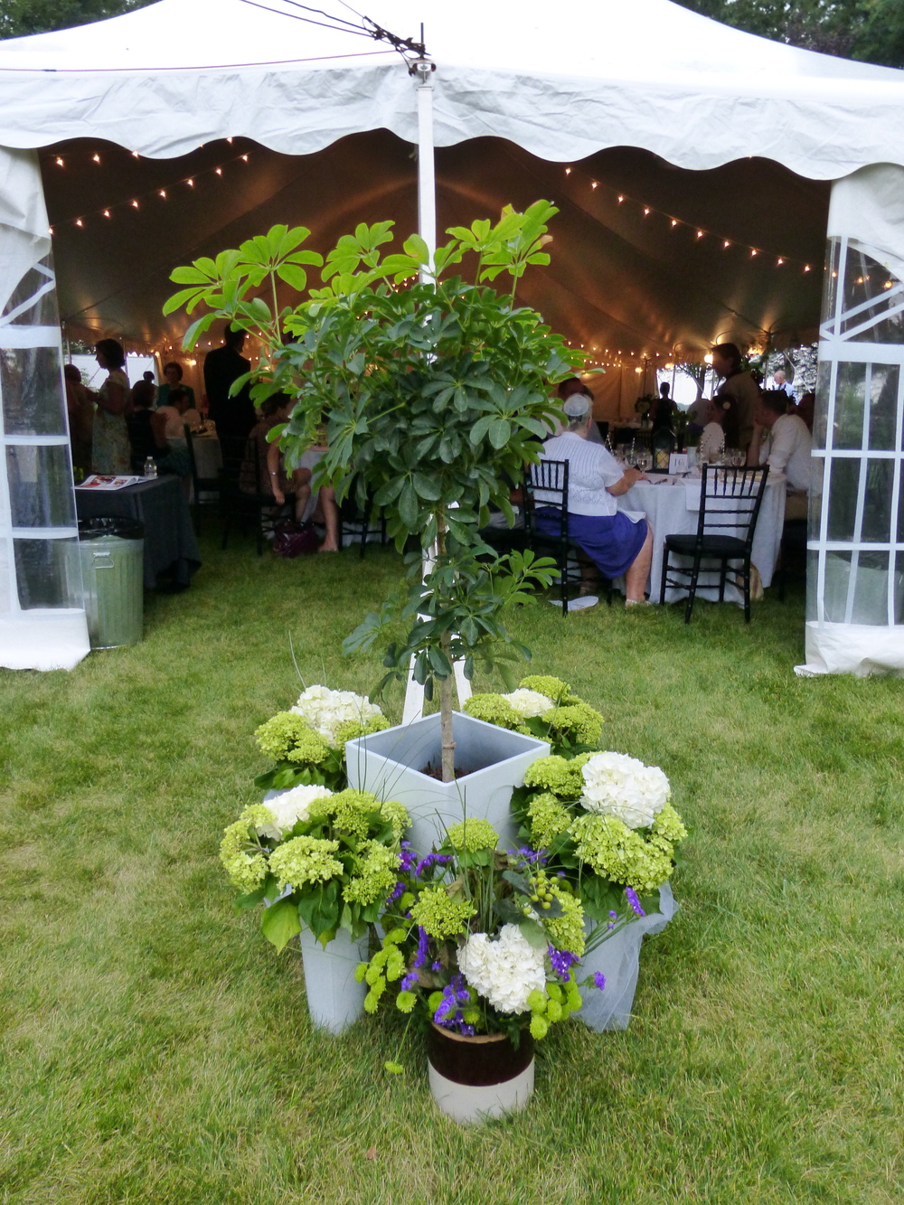 Wedding-Tent-With-Flower