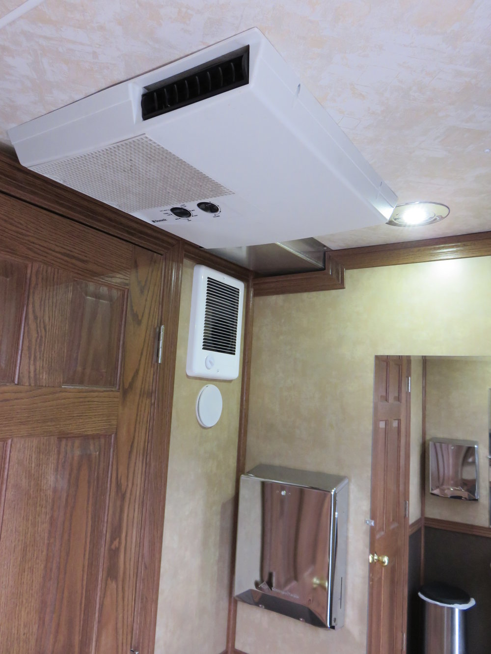 Air conditioned outdoor event restroom