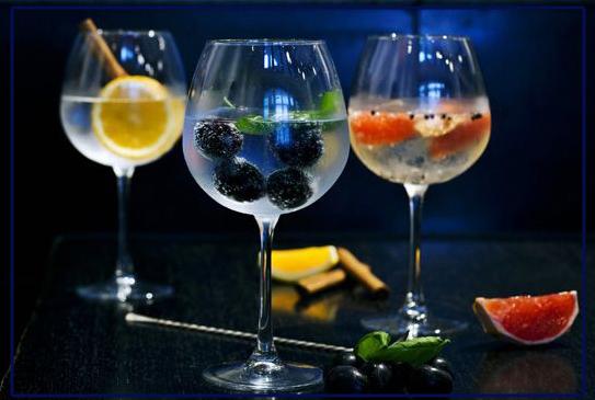-    Öl    - välj eget tema, -    Rom    special, -    Champagneprovning    de luxe -    Gin    + tonic, mer än GT