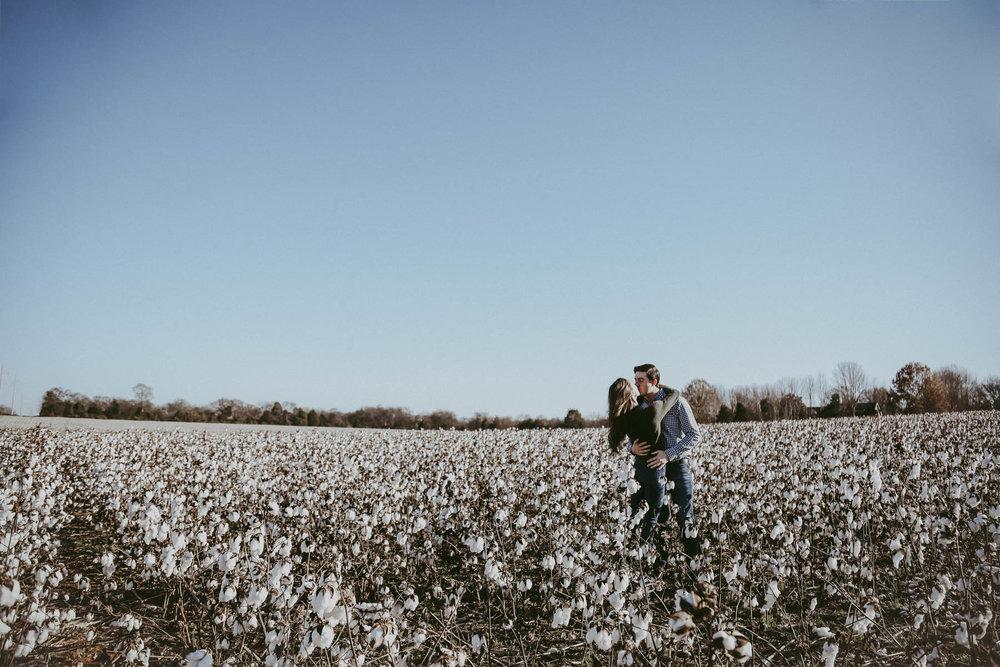 Nashville_Cotton_Field_Engagement-11.jpg