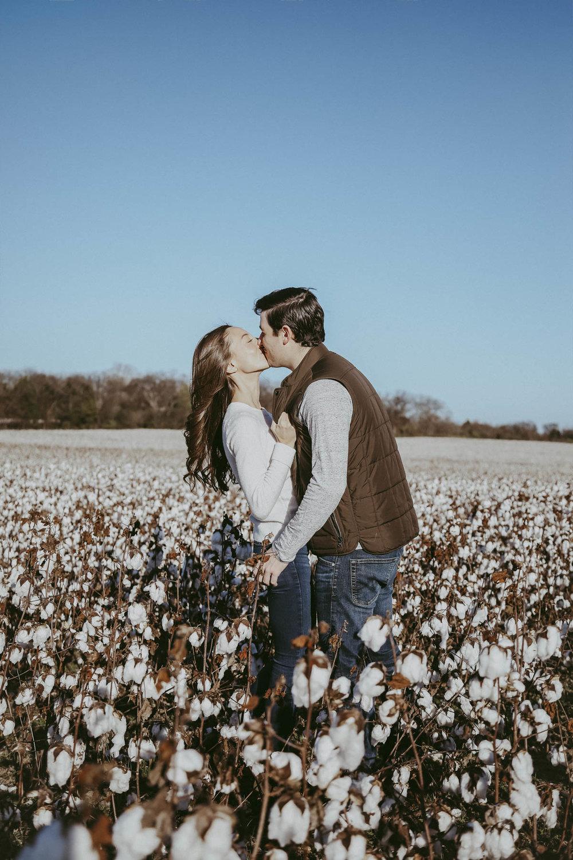 Nashville_Cotton_Field_Engagement-25.jpg