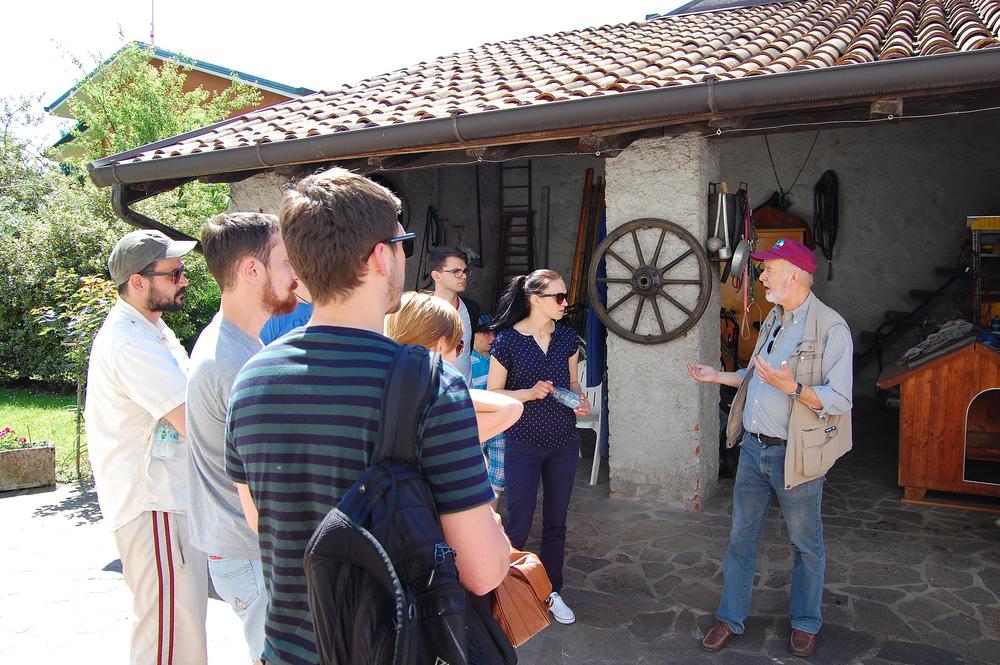 Vili nam je pokazal nekdanjo delavnico Edvarda Rusjana, slovenskega pionirja letenja in enega od navdihov za gledališko igro Ikarus