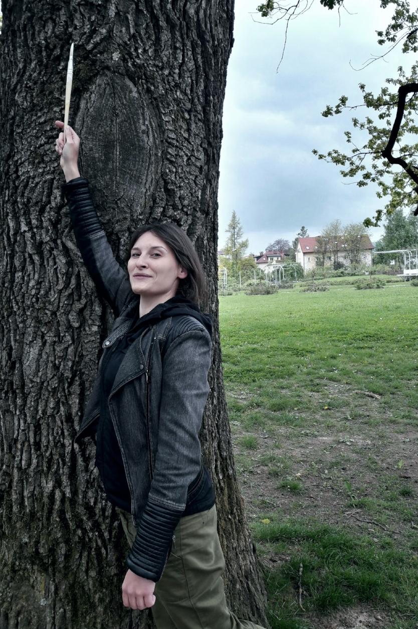 Na delovnem vikendu so se mi med obiskom Baze 20 vtisnile v spomin vertikale dreves.