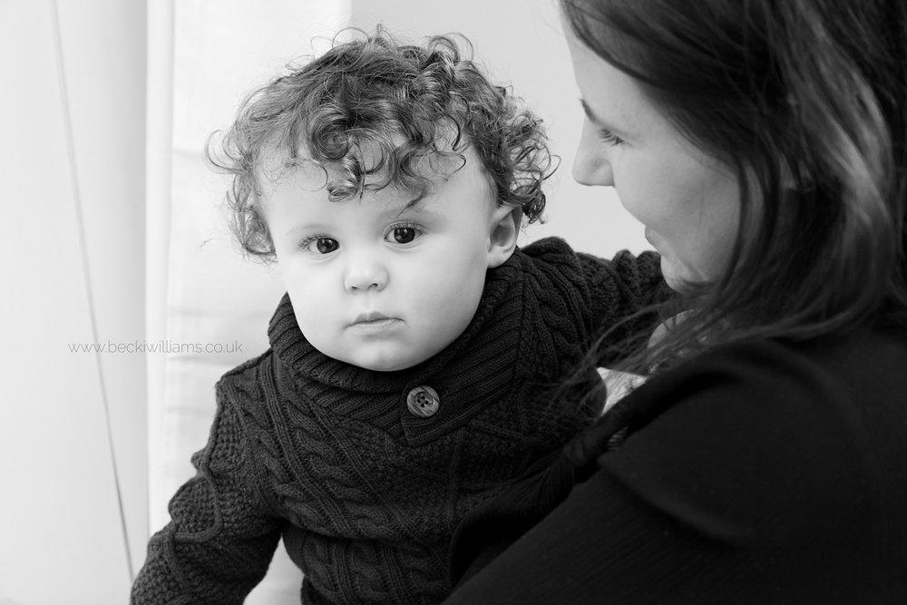 Family Photographer Hemel Hempstead - Mum & 2 year old cuddling