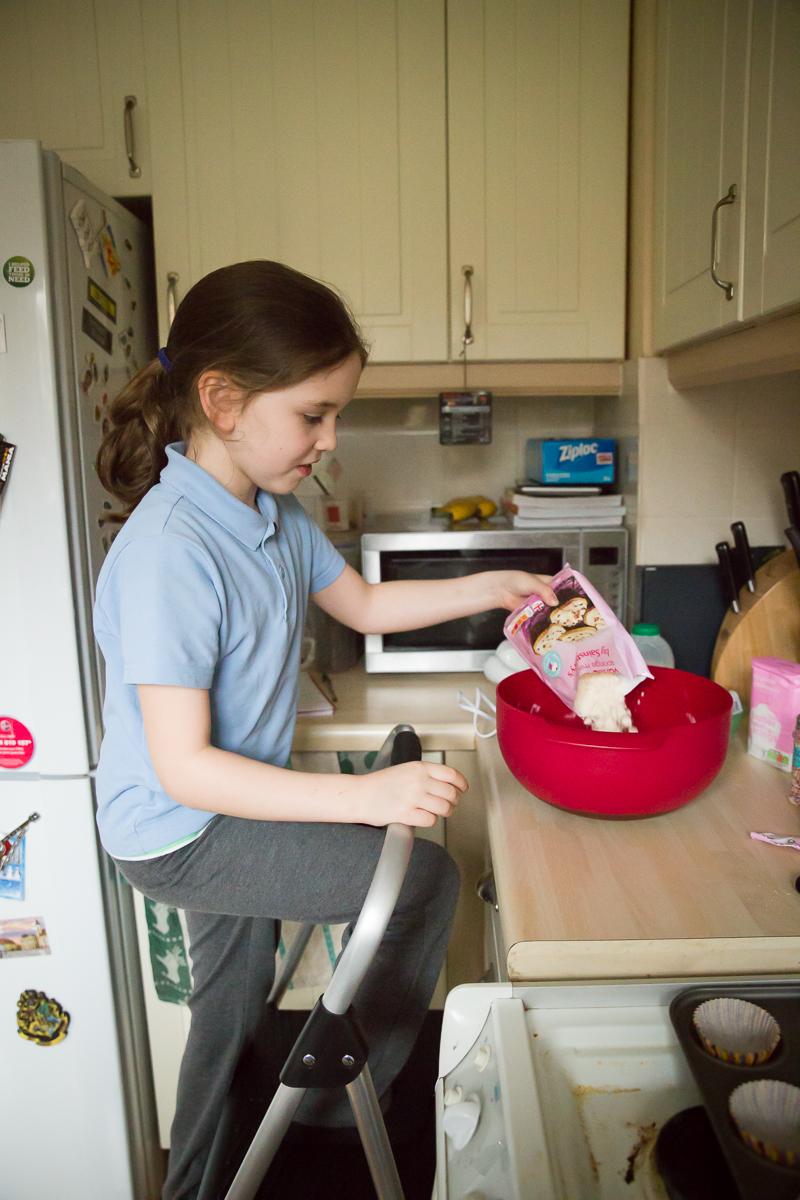 Child Photography Hemel Hempstead - Baking Cakes