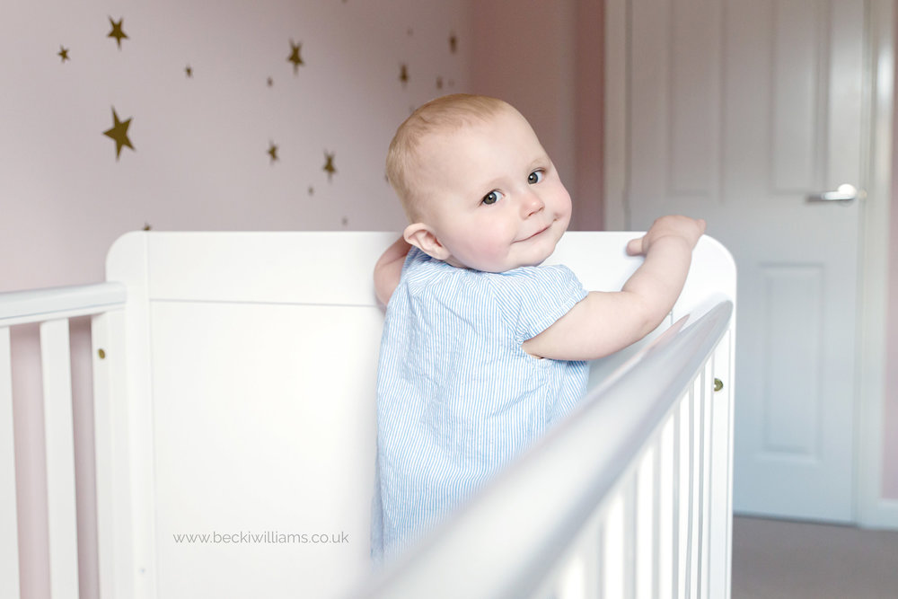 baby-photographer-hemel-hempstead-1-year-old-family-relaxed-cot