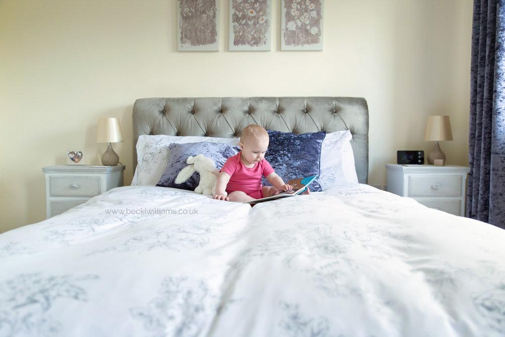 baby-photographer-hemel-hempstead-1-year-old-on-bed