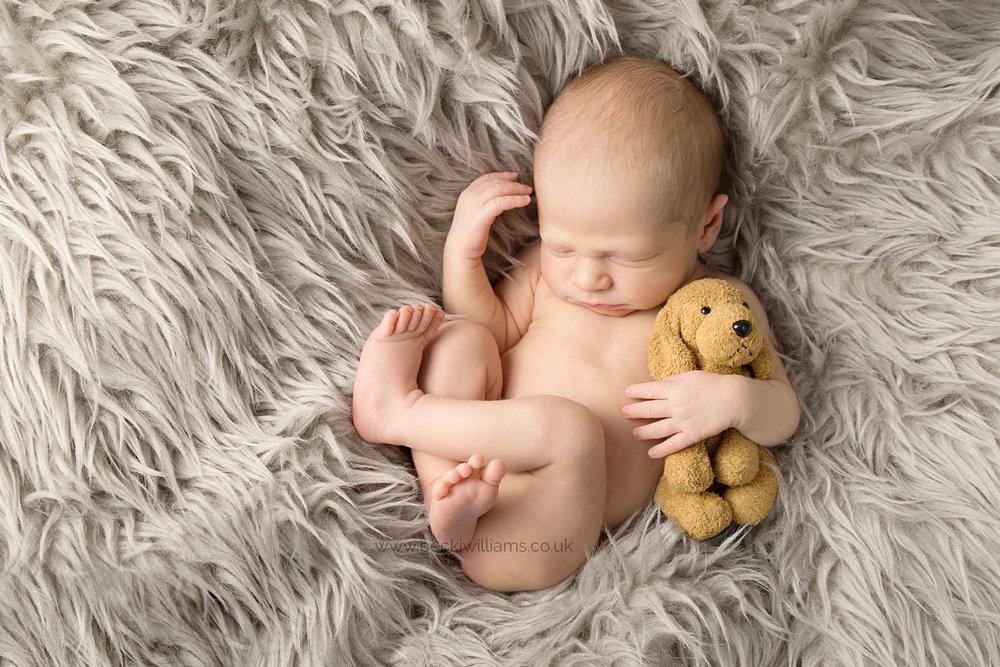 baby-photography-hemel-hempstead-newborn-grey-faux-fur