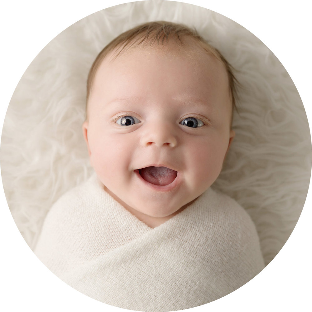 newborn-baby-photo-shoot-hemel-hempstead-awake-cute