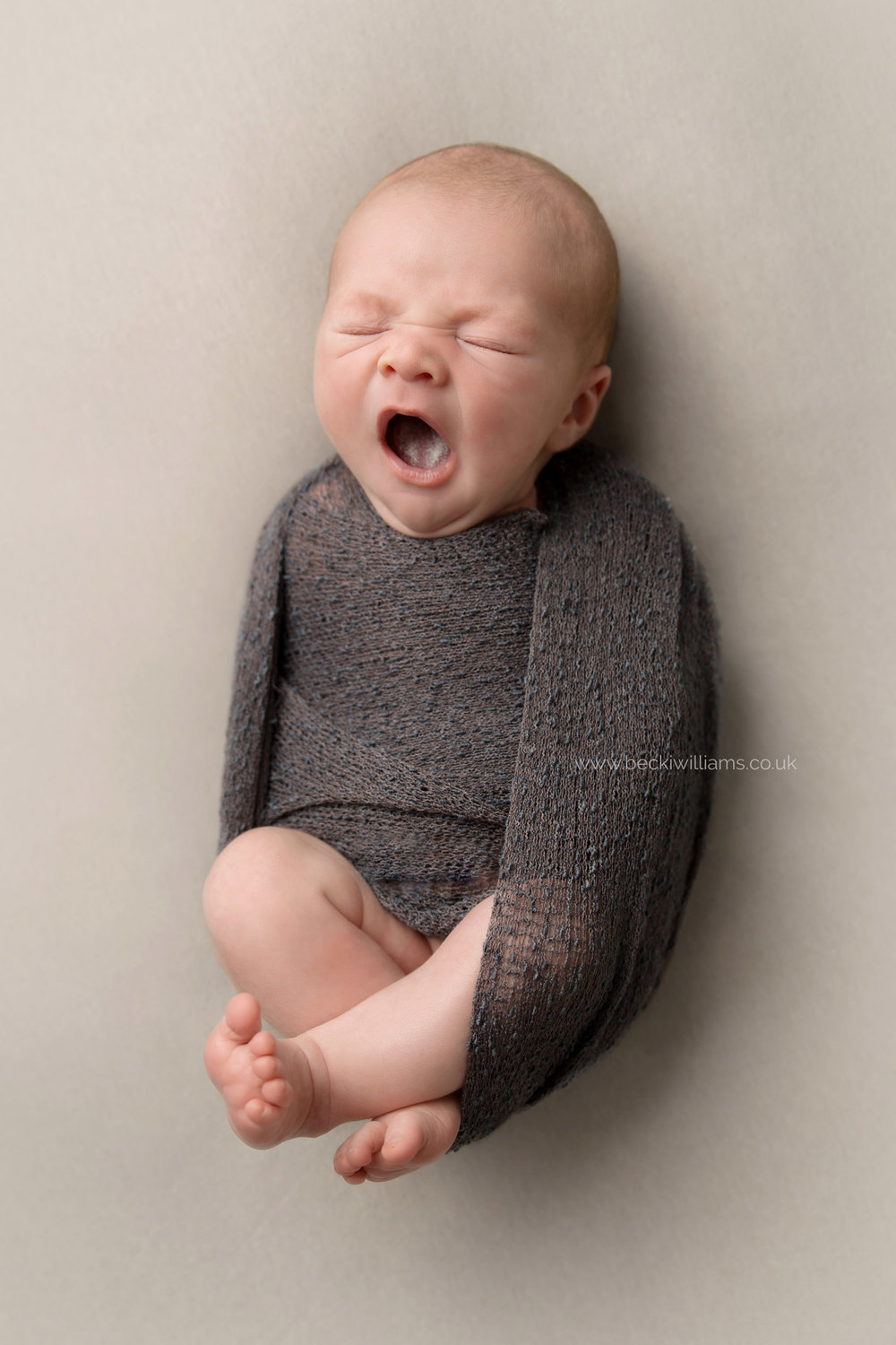 newborn-baby-photo-shoot-hemel-hempstead-yawning.jpg