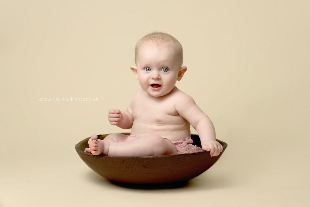 baby-photography-hemel-hempstead-Becki-Williams-Photography-bowl.jpg