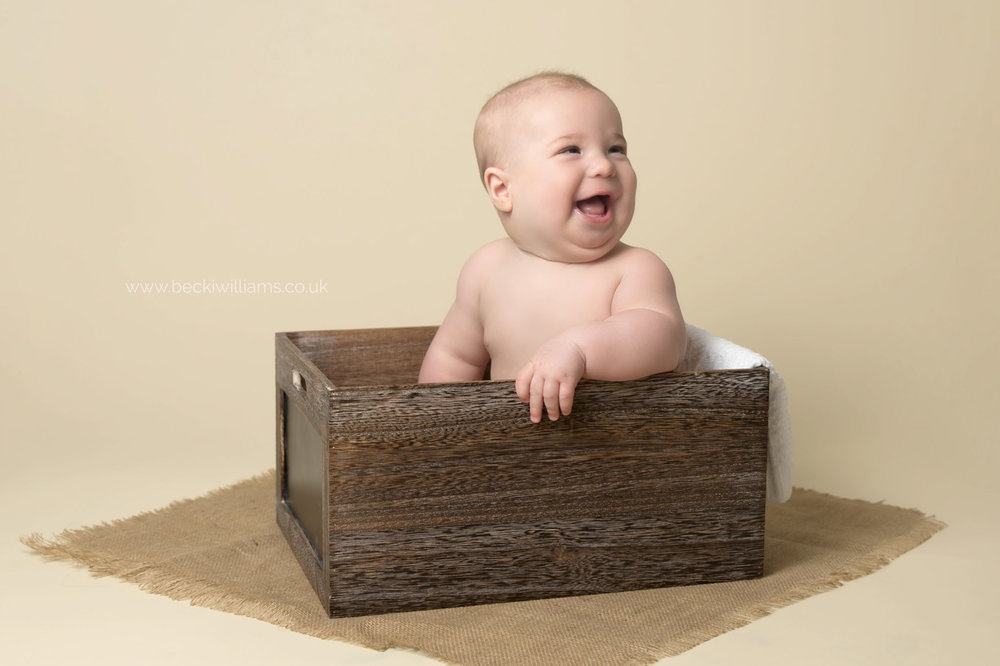 baby-photography-hemel-hempstead-Becki-Williams-Photography-crate.jpg