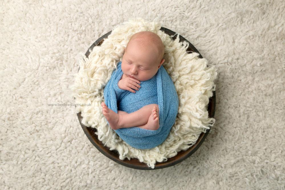 newborn-photographer-berkhamsted-blue-bowl.jpg