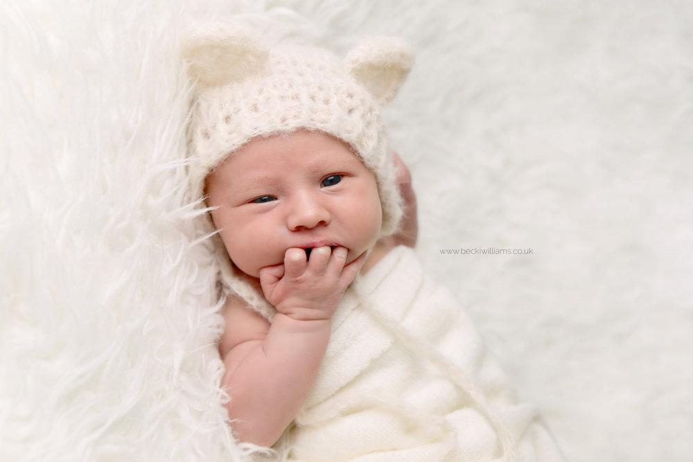 newborn-photographer-berkhamsted-awake-funny-cute.jpg