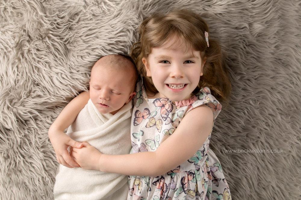 newborn-photography-berkhamsted-sister.jpg