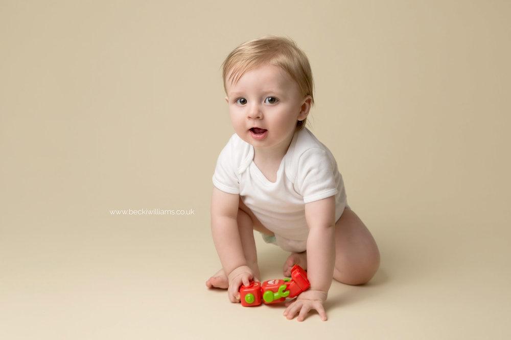 becki-williams-photography-hemel-hempstead-8-month-old-8.jpg