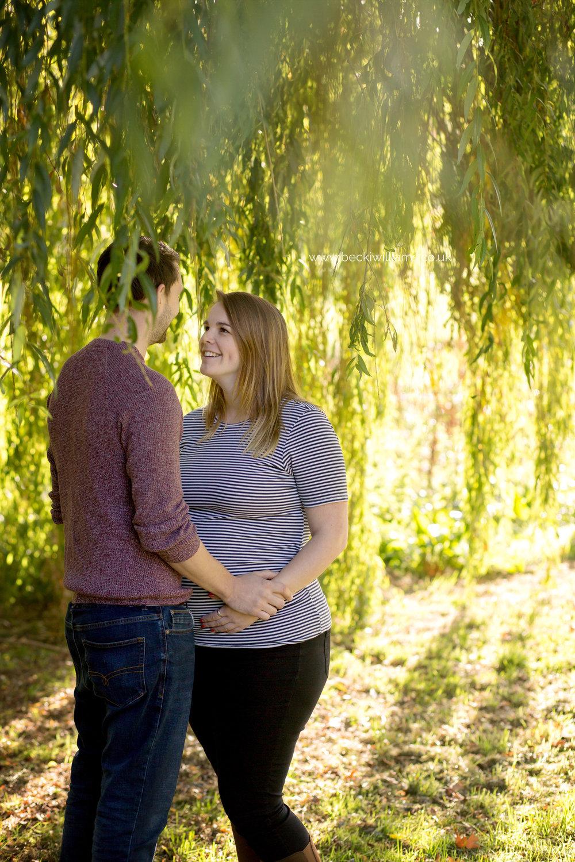 maternity-photography-in-Herfordshire-Gadebridge-Park-pregnancy-2.jpg