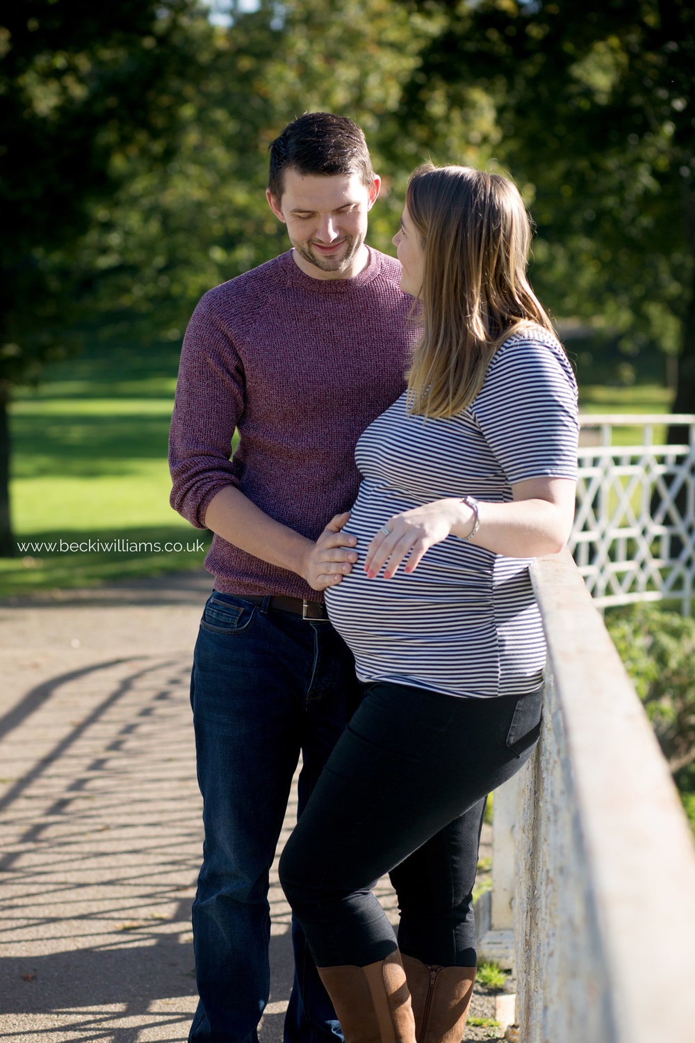 maternity-photography-in-Herfordshire-Gadebridge-Park-pregnancy-10.jpg