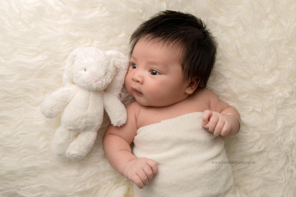newborn-photography-in-hertfordshire-watford-studio-natural-awake-baby.jpg
