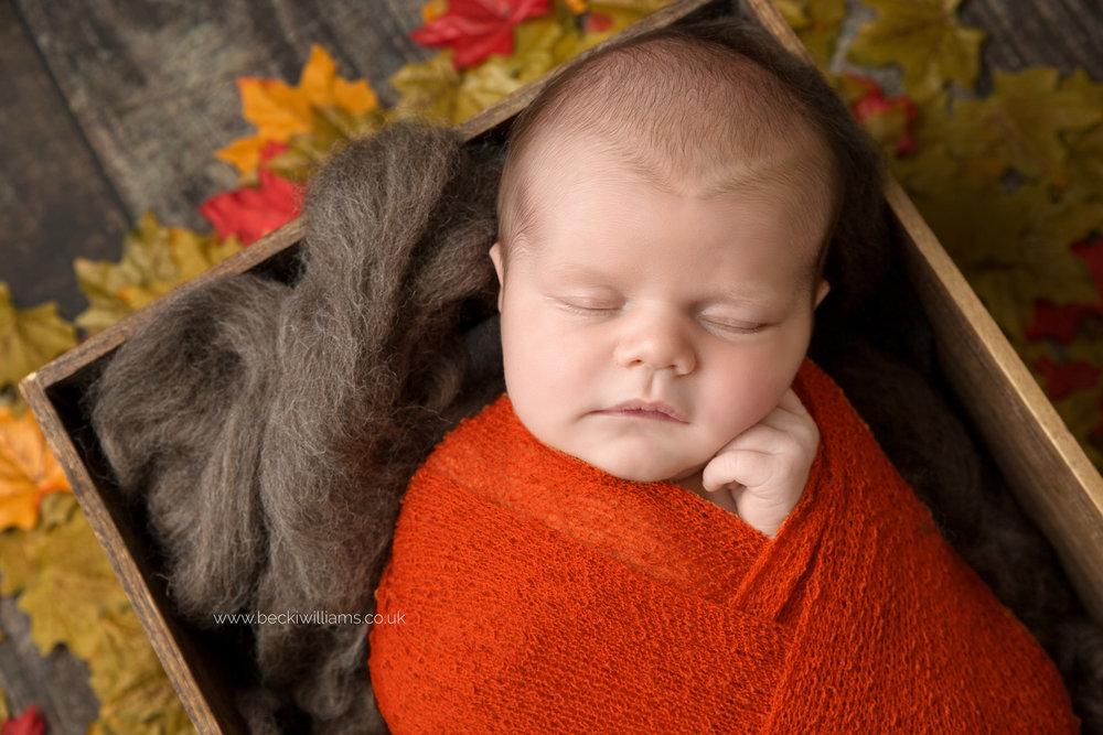 photographer-in-hemel-hempstead-newborn-baby-girl-asleep-5.jpg