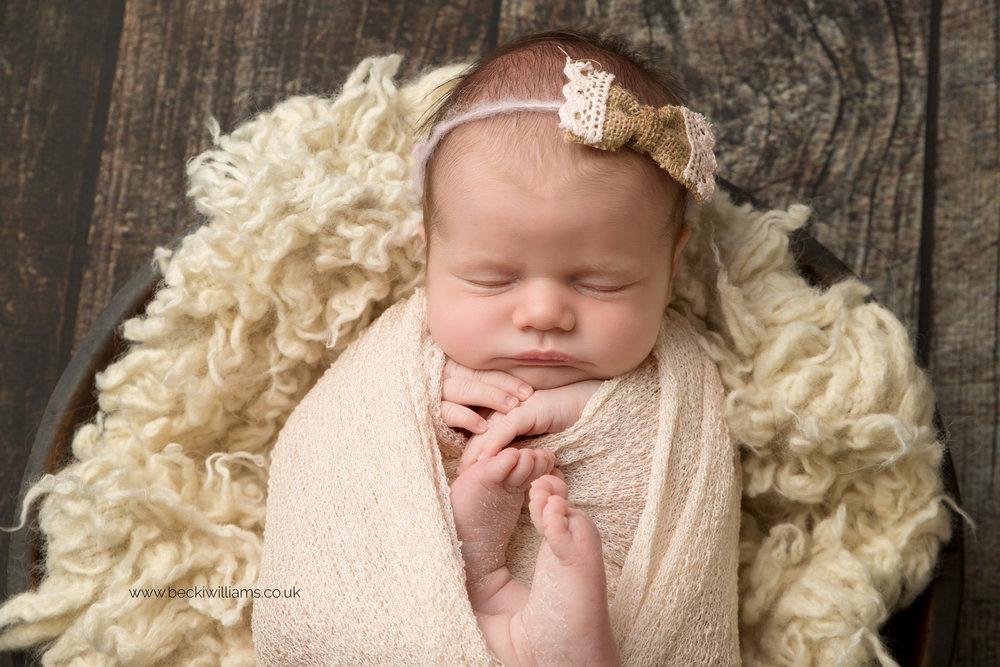 photographer-in-hemel-hempstead-newborn-baby-girl-asleep-10.jpg