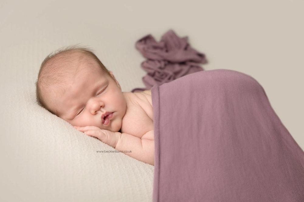 photographer-in-hemel-hempstead-newborn-baby-girl-asleep-22.jpg