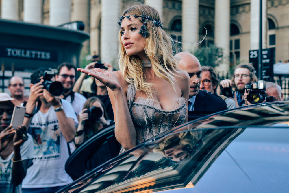 10-fall-2015-couture-street-style-04.jpg