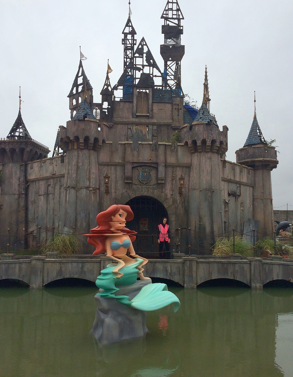 Street-Art-by-Banksy-and-other-artists-in-London-England-Dismaland-2.jpg