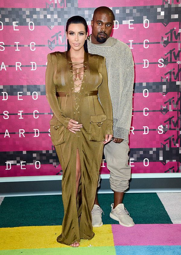 kim-kardashian-kanye-west-mtv-vmas-2015-video-music-awards1.jpg
