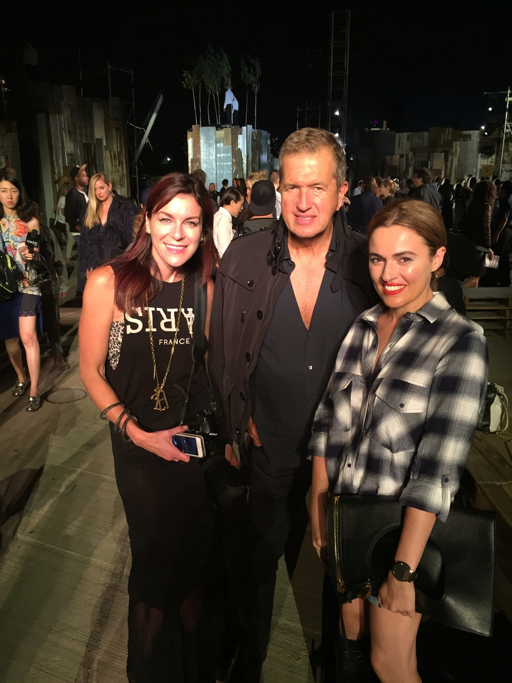 Lauri Levenfeld, Mario Testino and Juliet Belkin