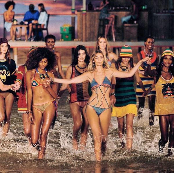 @gigihadid instagram. Finale gooaalllssss 🌴🌴 love these girls & so honored to be a part of this show 🌅  #TommySpring16