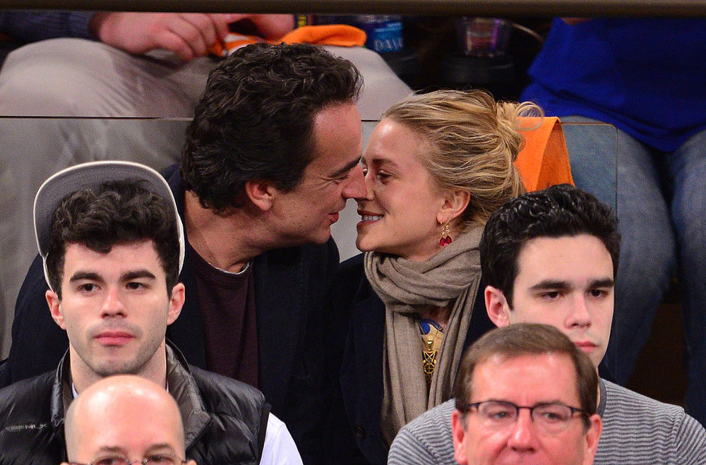 Mary-Kate-Olsen-Olivier-Sarkozy-Kissing.jpg