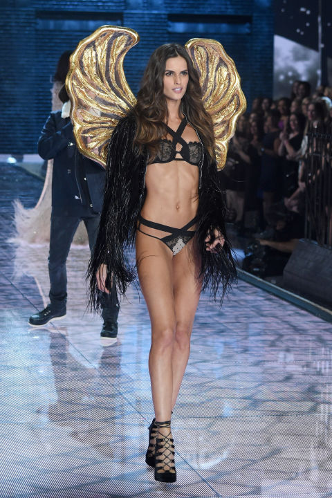 hbz-vs-runway-2015-gettyimages-496564802.jpg