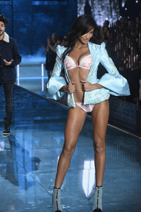 hbz-vs-runway-2015-gettyimages-496565216.jpg