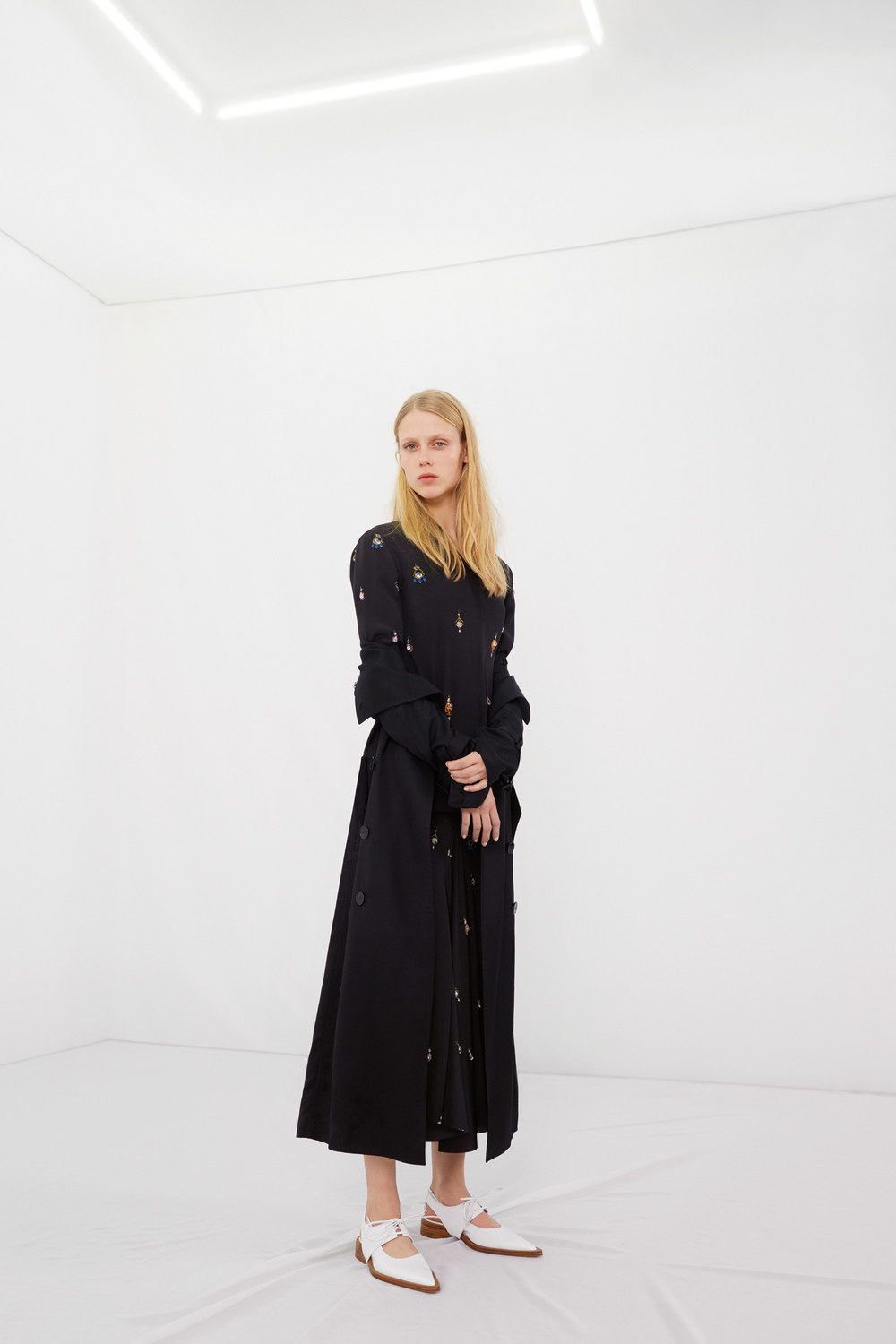 victoria-beckham-pre-fall-2016-lookbook-11.jpg
