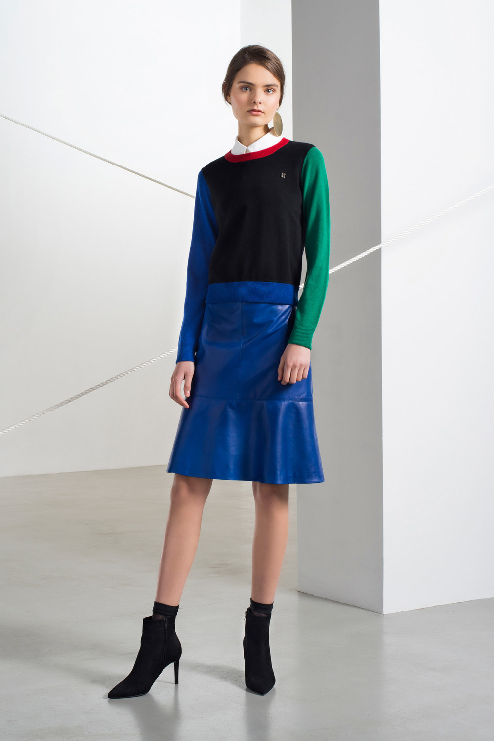 lisa-perry-pre-fall-2016-lookbook-09.jpg