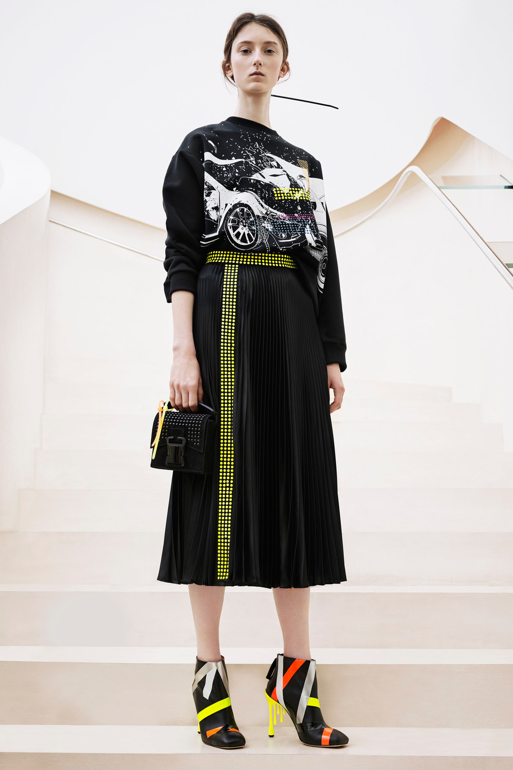 christopher-kane-pre-fall-2016-lookbook-24.jpg