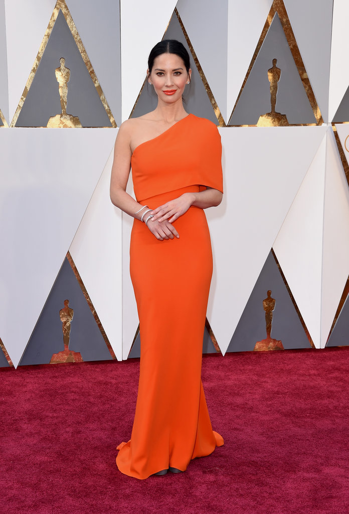 Orange is the new Black for Olivia Munn! Minimalistic with a pinch of color. Why not?