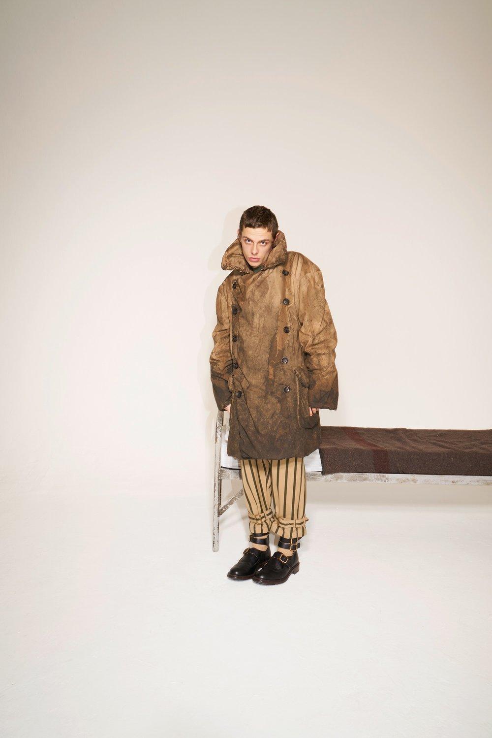 05-Vivienne-Westwood-Fall-18.jpg