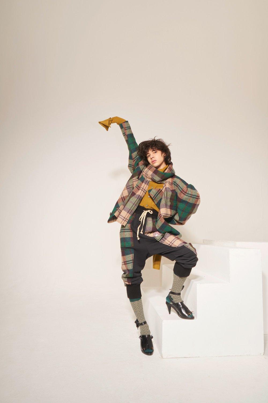 28-Vivienne-Westwood-Fall-18.jpg