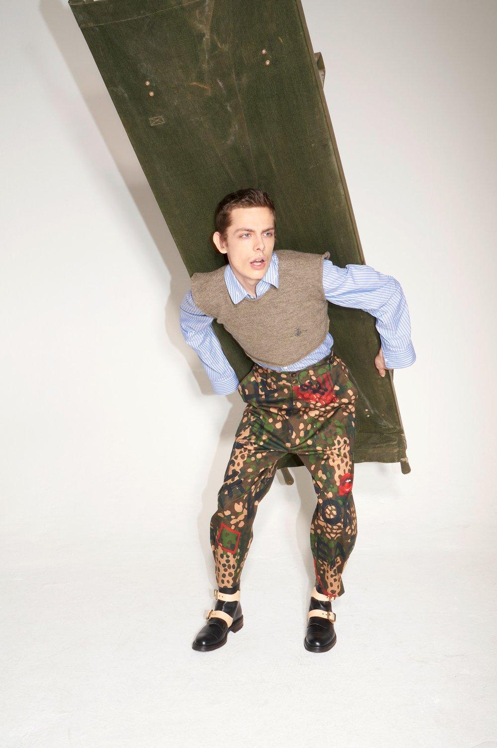 34-Vivienne-Westwood-Fall-18.jpg
