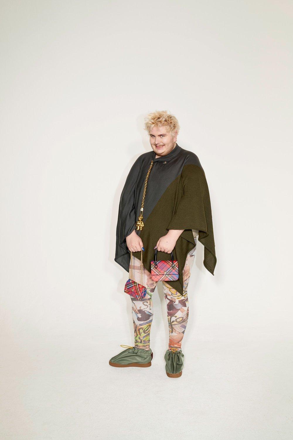 40-Vivienne-Westwood-Fall-18.jpg