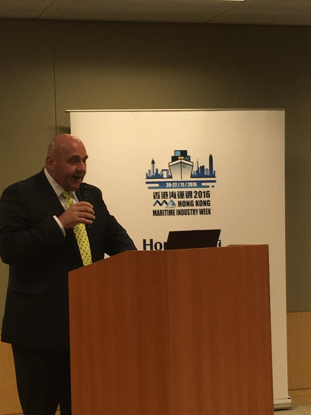 Mark Millar presents his HKMIW events to the Transport and Housing Bureau