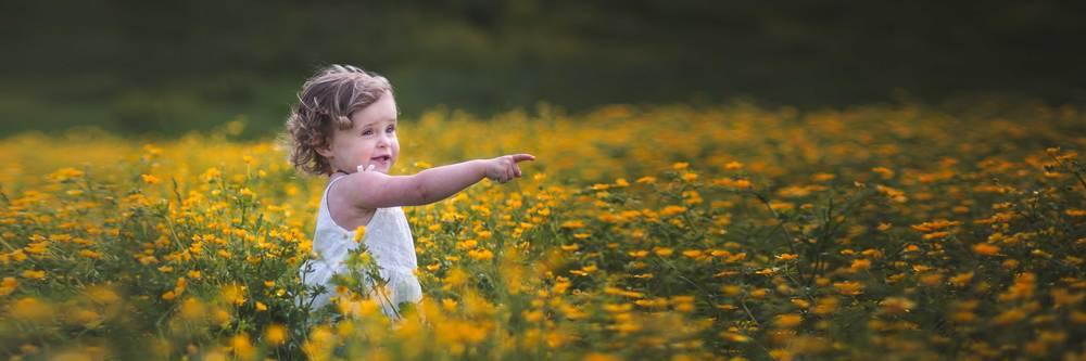 Adorable little girl captured by Northern Virginia photographer Rachel K Photo