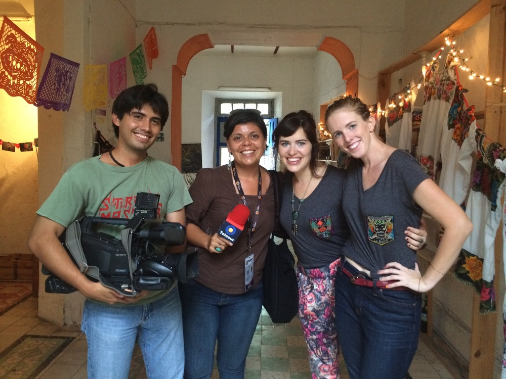 Nestor, Raquel, Mandi & Allie after recording for Telesur on Saturday, August 22, 2015 en la casa con la puerta azul.